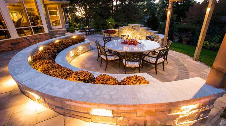 Lighting design considerations for outdoor entertaining the brightest trends in outdoor lighting workwithnaturefo