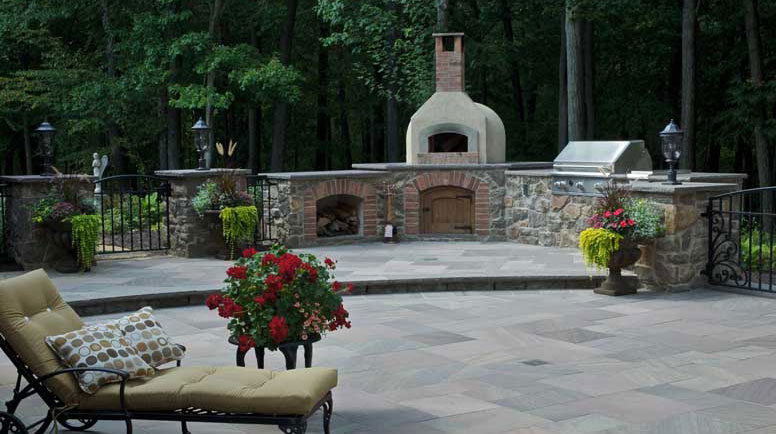 Designing Outdoor Fireplaces and Fire Pits on Unlevel Backyard Ideas id=67174