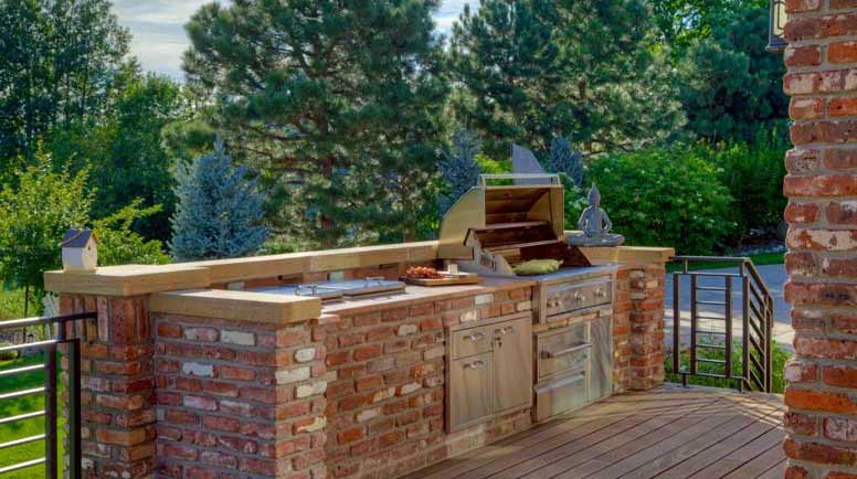Outdoor kitchens gallery for Outdoor kitchen brick design