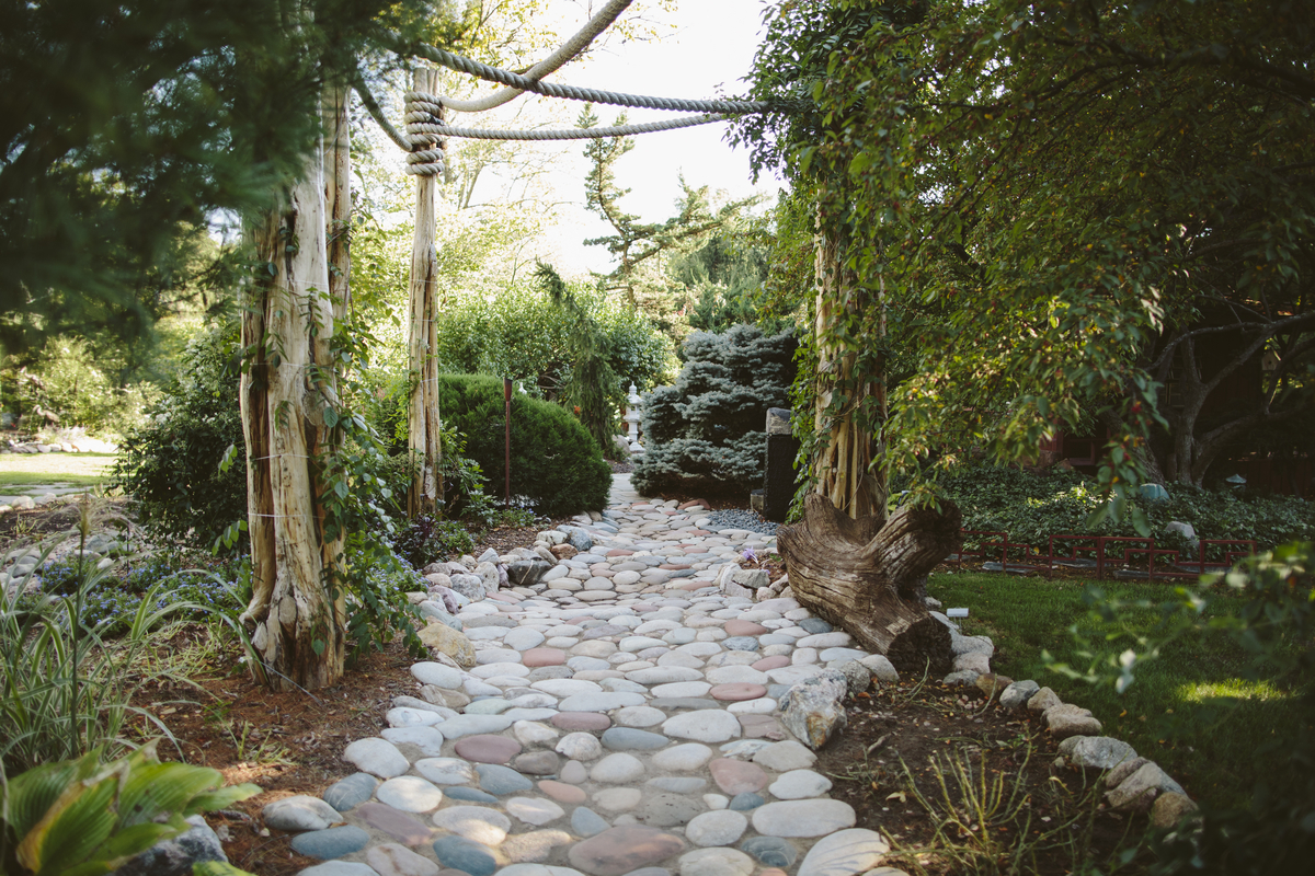 CrEatE a MEditation Sanctuary with Your Own ZEn GardEn