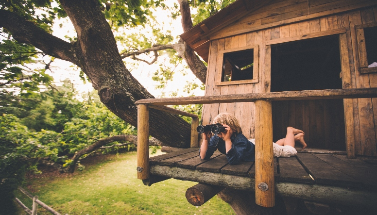 EXTREME PLAYHOUSES AND TREE FORTS
